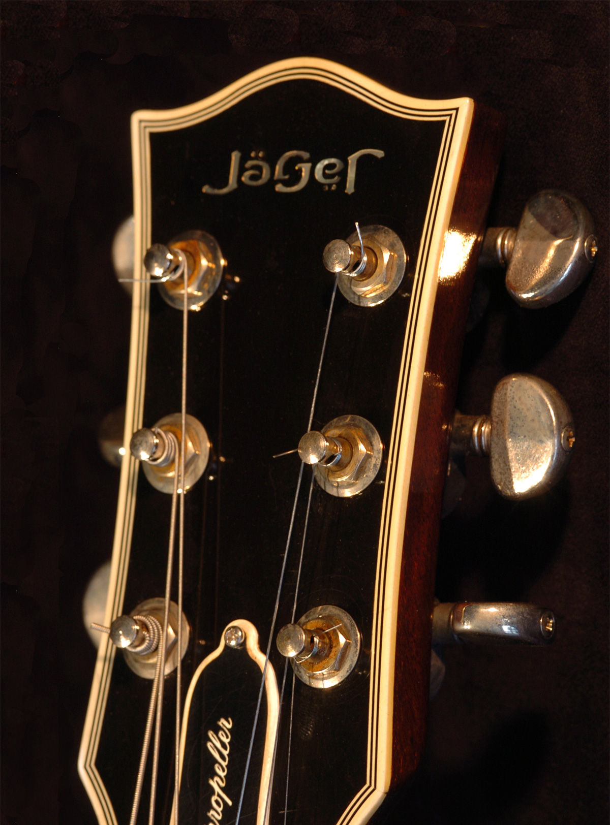 jager-guitar-additional-1